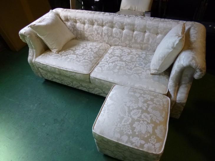 itari-sofa